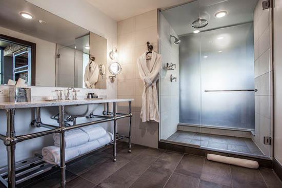 Hotels tackle unique bathroom-design challenges