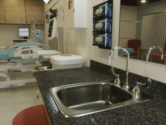 Why T&S plumbing fixtures are a fit for hospitals